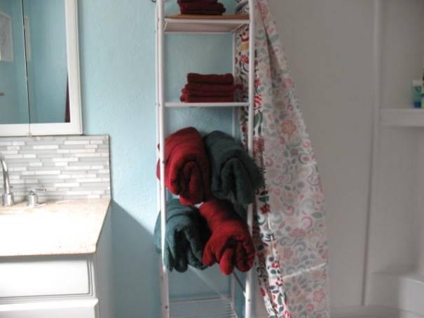 Guest towels.