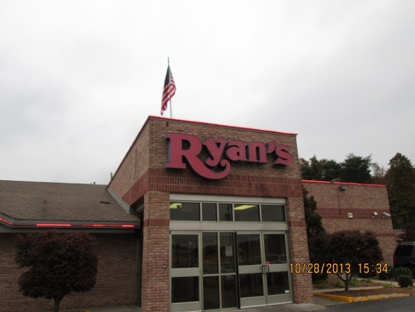 Enjoyed a nice buffet dinner here at Ryan's in Crossville, Tennessee.
