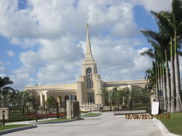 A lovely Mormon Temple.  We were struck at it's cream color, the ones we see out west are almost always a brilliant white.