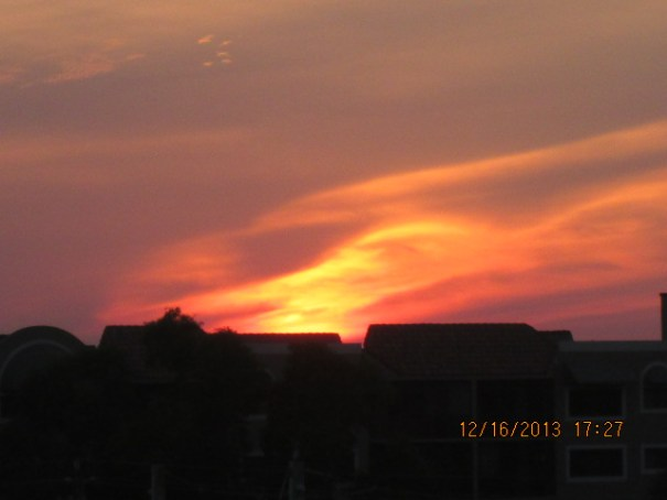 Red sky at night, sailor's delight.  Red sky at morning, sailor's warning.