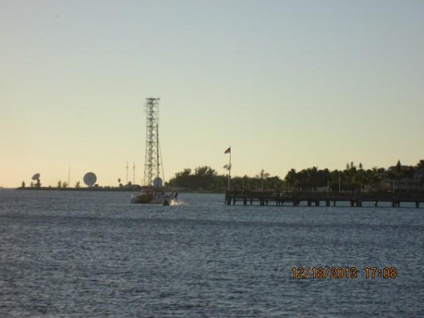 Navy attenna array aimed at Cuba I think.