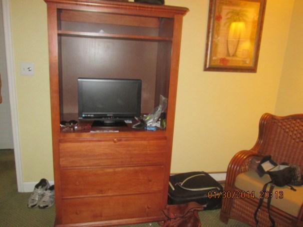 TV in 2nd bedroom.