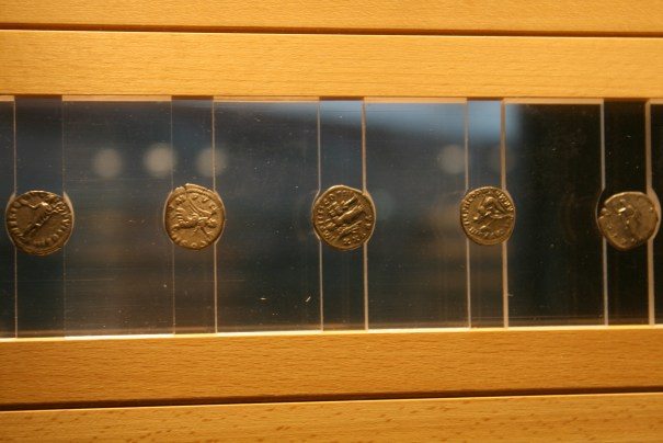 Nice way to display the coins.