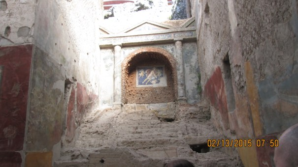 One of Edie's favorite decorations in Herculaneum.