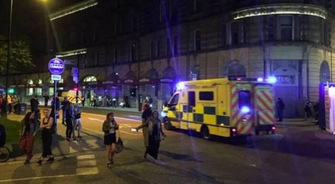 ΕΚΤΑΚΤΟ: Τρομοκρατική επίθεση σε συναυλία στο Μάντσεστερ – Πολλά θύματα (βίντεο)