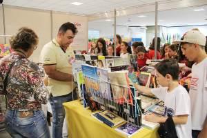 Evento conecta público escolar e artistas e se mantém como a principal ação artística do Alto Vale |Foto: Tiago Amado