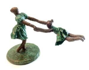 Mostra com esculturas alternativas sustentáveis de Beliria Boni abre dia 16 de maio, em Rio do Sul