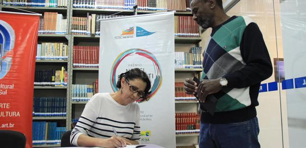 Livro e relatos sobre a história da comunidade são tema de evento que integra a Semana da Consciência Negra | Foto: Tiago Amado