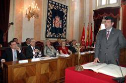 Acto de investidura de Bartolomé González como alcalde de Alcalá de Henares en 2007