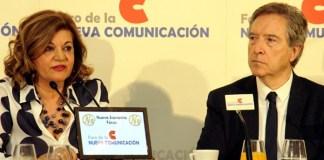 Carmen Amores e Iñaki Gabilondo en el Foro de la Nueva Comunicación