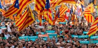 La obscenidad de la independencia catalana   FOTO: AFP