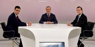 Mariano Rajoy y Pedro en el debate Cara a Cara de 2015 moderado por Manuel Campo Vidal