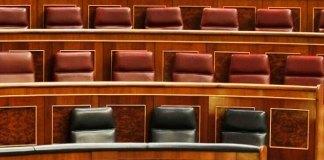 El Parlamento devaluado