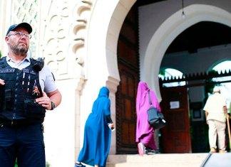 Francia hace frente por fin al islamismo radical