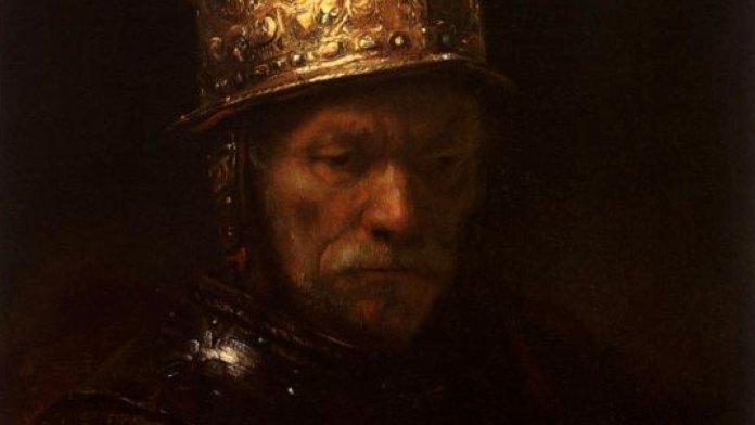 El hombre del casco de oro