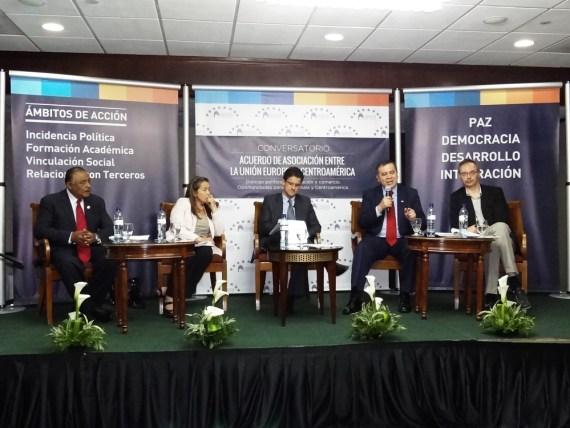 Panelistas Conversatorio Acuerdo de Asociación entre La Unión Europea y Centroamérica