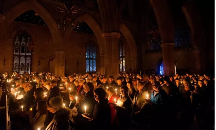 The most poignant part of the Tamworth Co-op service when hundreds of people held up lit candles in memory of lost loved ones.