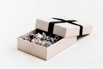 韓国人の彼氏が喜ぶプレゼント特集!鉄板チョイス10選!サプライズボックス