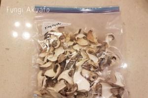 Dehydrate mushrooms