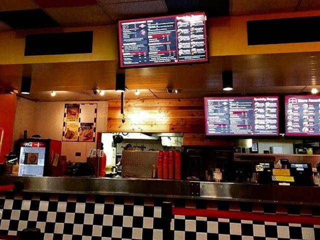 テディーズ・ビガーバーガー・ワイキキ(Teddy's Bigger Burgers Waikiki)