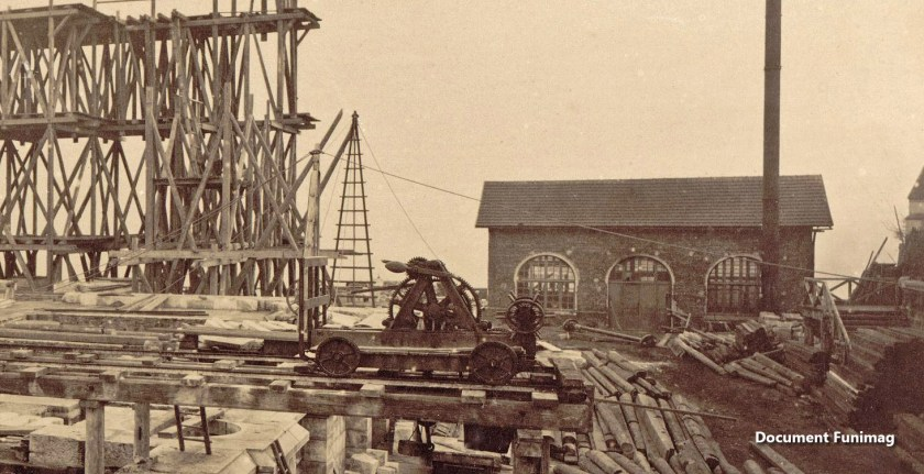 Le chantier de la basiliqueen 1879 / Construction of the basilica on 1879