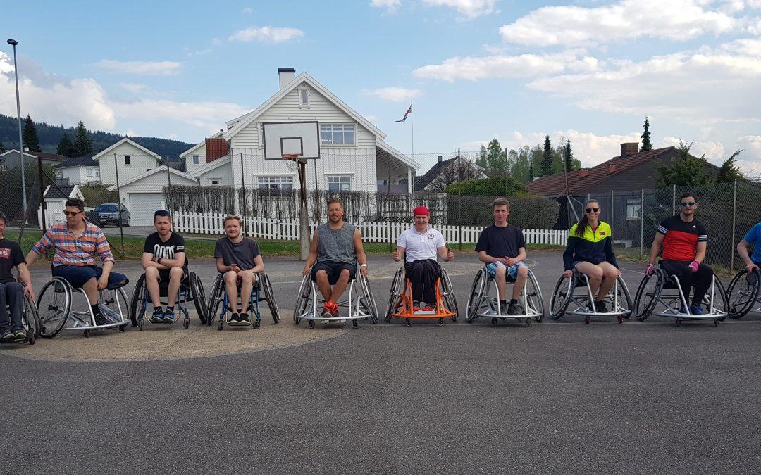 Sommer, sol og rullestolbasket!