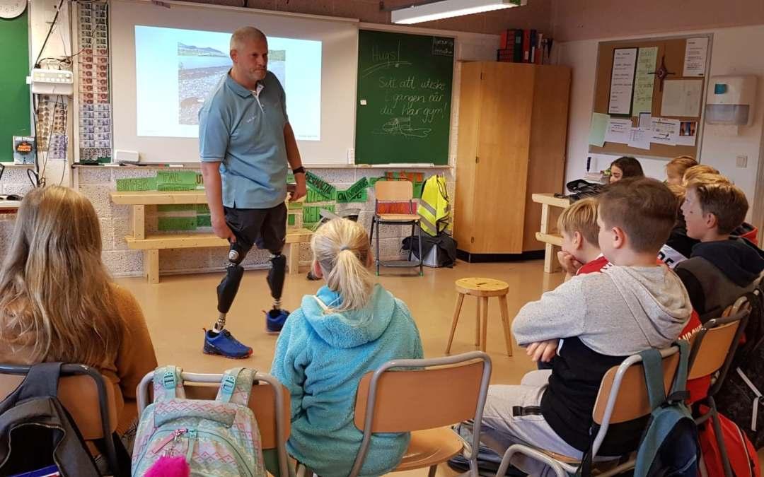 Bytte av proteser i klasserommet