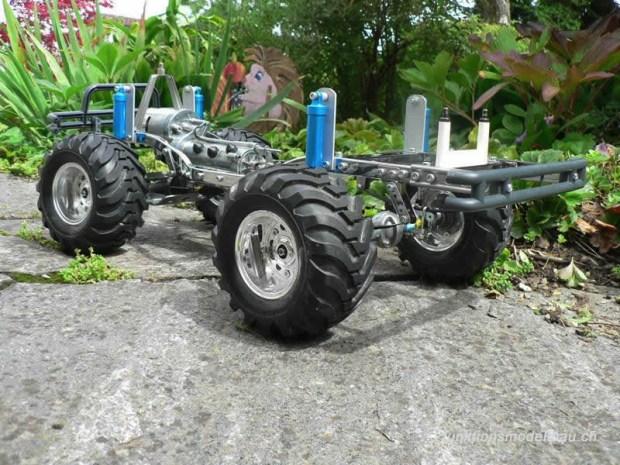 800-bruiser-blue-met-chassis-505