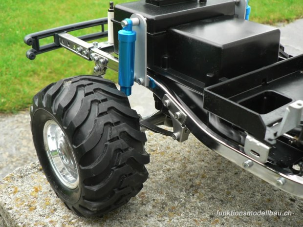 800-bruiser-blue-met-chassis-515