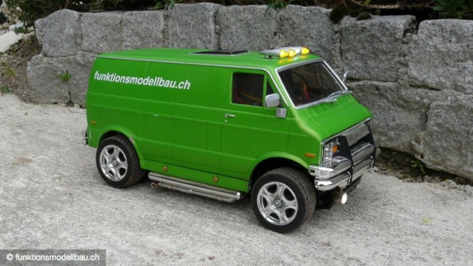 Dodge Van auf Tamiya Basis
