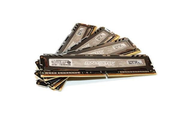 Crucial SportLT DDR42400 pht7