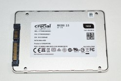Crucial_MX300_pht10