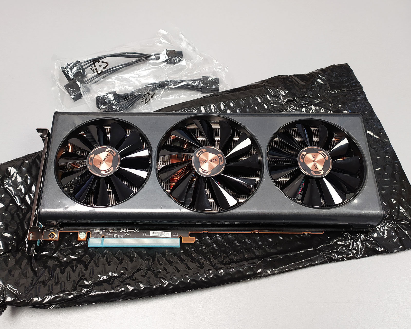 XFX Radeon RX 5600 XT THICC III Ultra Graphics Card Review ...