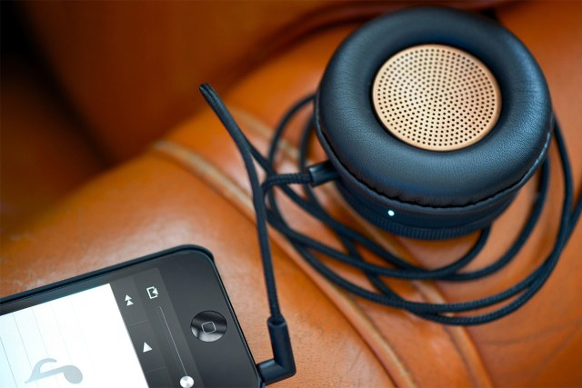 native-union-monocle-speakers-make-big-sound-portable-1