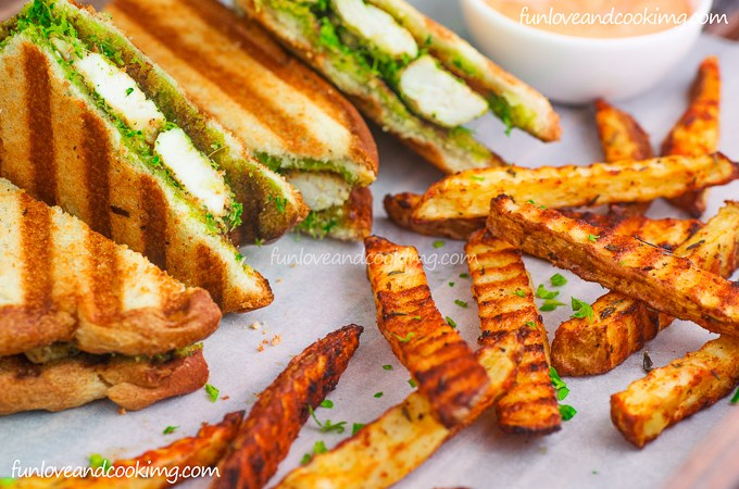 Hariyali Sandwich with Oven Fries