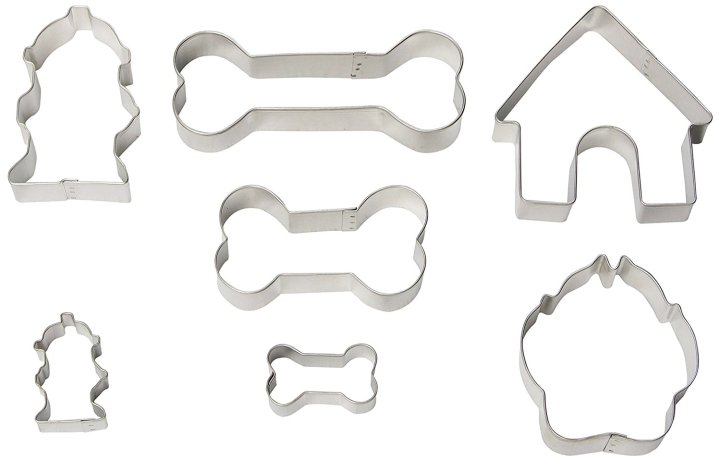 The perfect cookie cutters for homemade dog treat recipes
