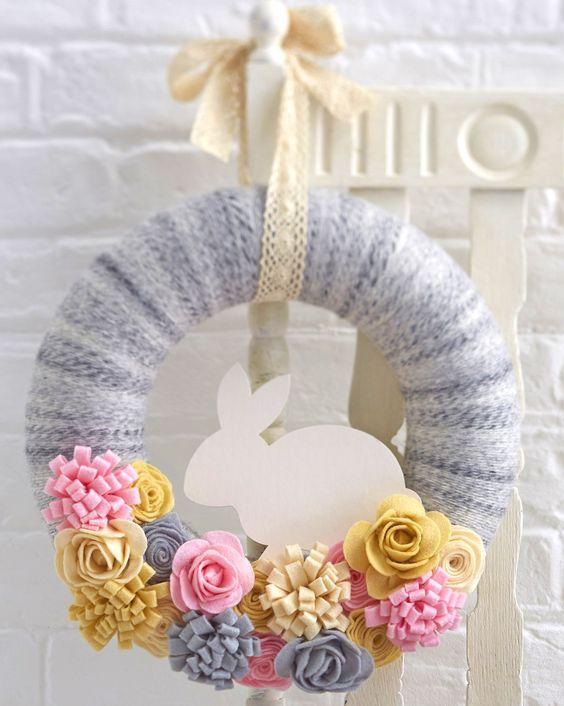 diy spring wreath felt flowers and yarn wreath