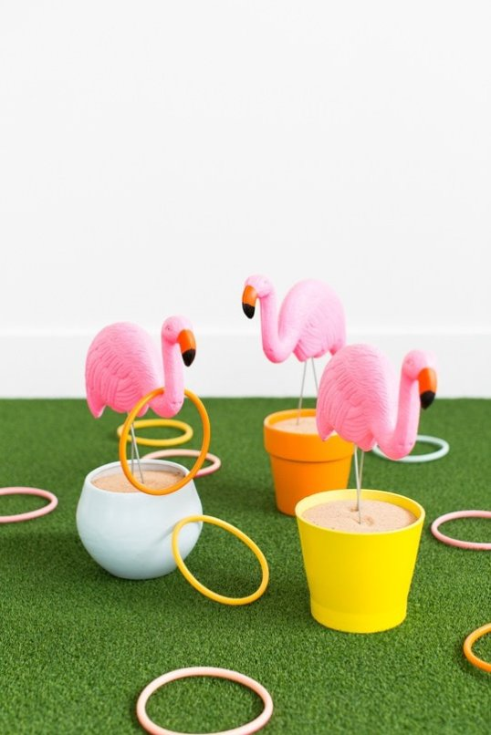DIY Flamingo Ring Toss Game, plus really great ideas for fun DIY backyard party games to try.