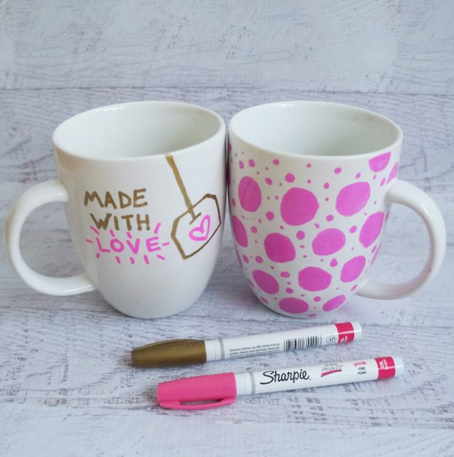 Simple DIY sharpie mug idea for Mother's Day gift. Click through for more mug ideas.