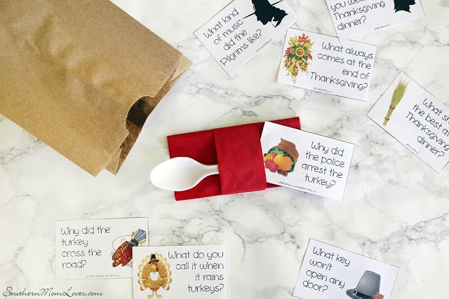 Printable jokes pack for Thanksgiving. Place tuck these in your table settings for lots of fun and laughs at the Thanksgiving kids table.