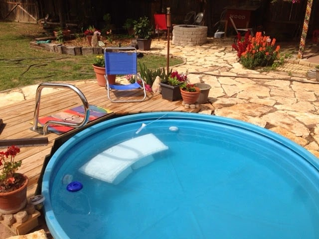 You don't need a huge outdoor pool for the backyard. Check out this tutorial for adding a stock tank pool (via Sew and Tell Quilts) to the backyard for guaranteed summer fun!