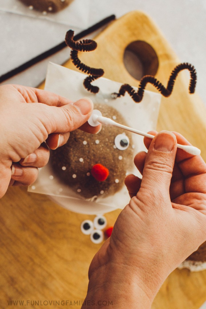 making reindeer cookie treat bag