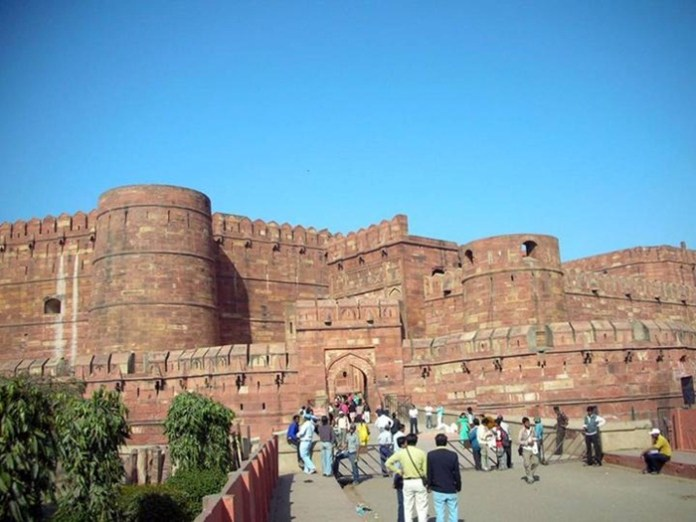 agra-fort- (1)