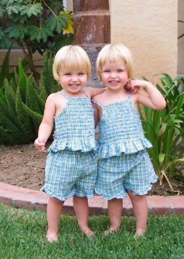 twin-baby-pictures- (3)