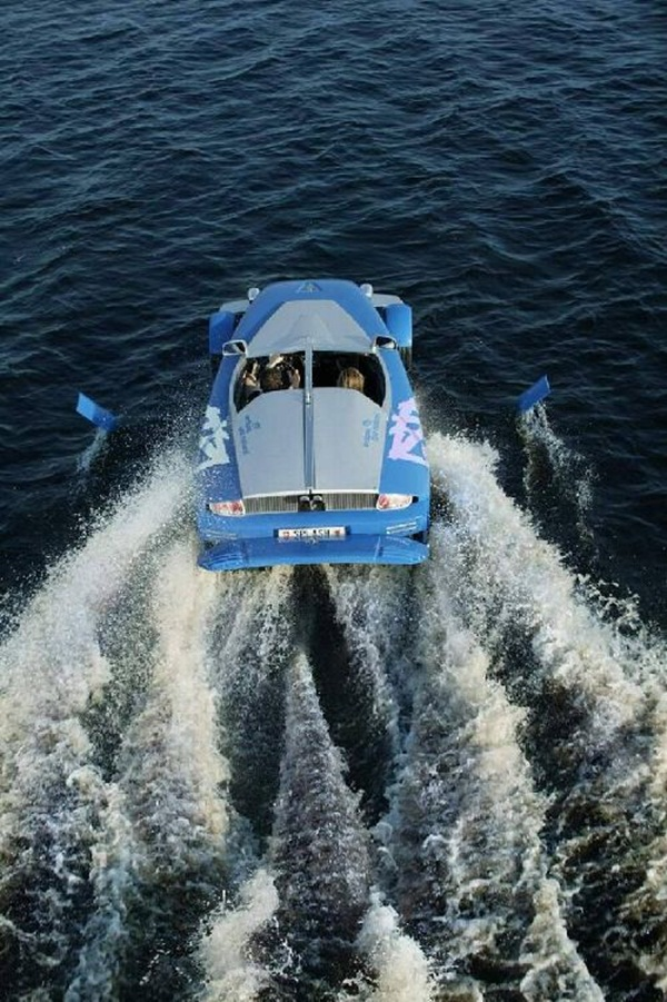 rinspeed-splash-sports-car-and-speed-boat- (13)