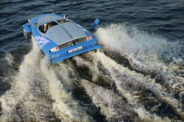 rinspeed-splash-sports-car-and-speed-boat- (14)