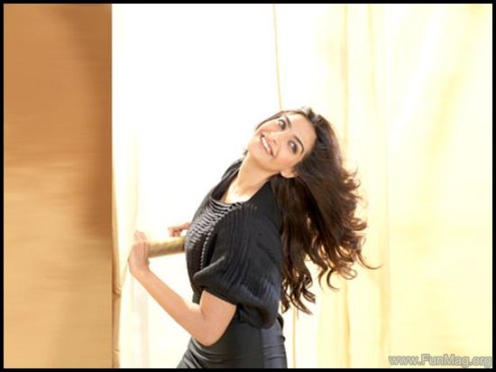 farhan-akhtar-and-sonam-kapoor-photoshoot-for-brunch-magazine- (3)