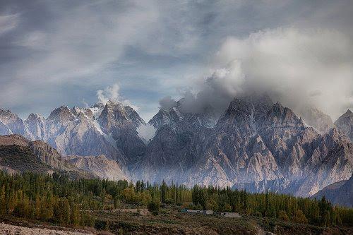 landscape-of-pakistan-hunza-valley- (2)