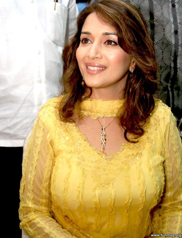 photos-of-madhuri-dixit- (4)