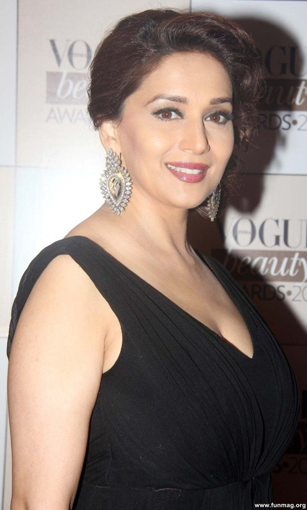 photos-of-madhuri-dixit- (8)